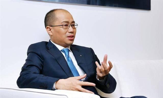 原70后,陈豪被提拔到销售责任背后,受到东风副总经理的表扬