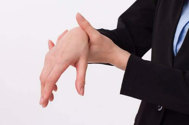 一旦患上痛风,如果不纠正三种饮食,关节迟早会被毁!