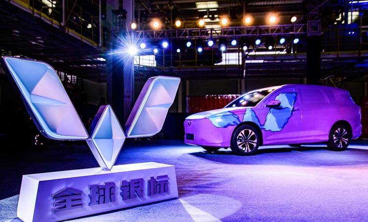 2021年终于到来!盘点新能源汽车行业的沉与浮