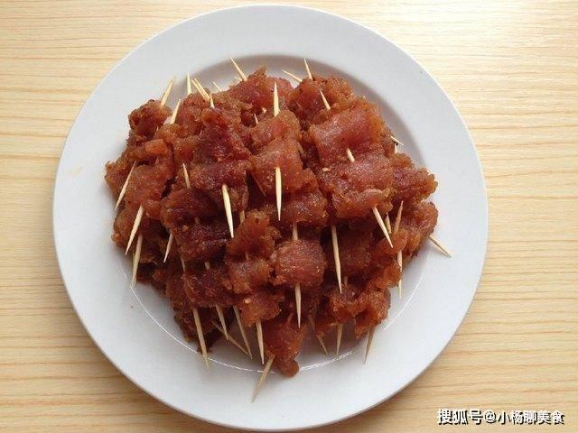 小小香辣牙签肉,自己制作卫生又健康,一口能吃好几个