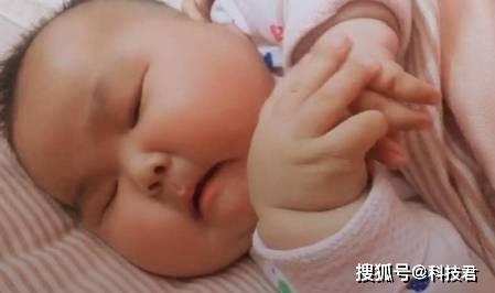 6个月宝宝交给婆婆带,二个月后婆婆发来照片,宝妈瞬间泪奔