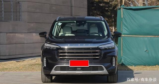 本来这款国产SUV比汉兰达有个气田,近5米长,2.0T 254PS,17 W起预售。