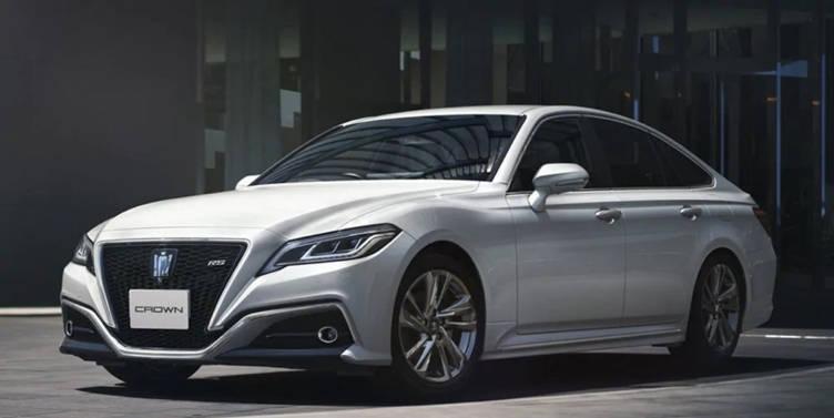 原装全新丰田皇冠,好看又不失A6L!乘坐V6发动机,每100公里加速6.1秒
