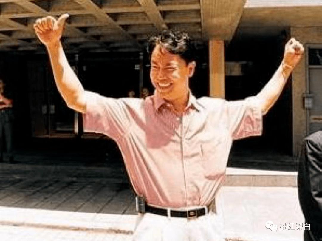 24岁就嫁入香港第一豪门,低调的王俪桥是最好命的原配太太?  第22张