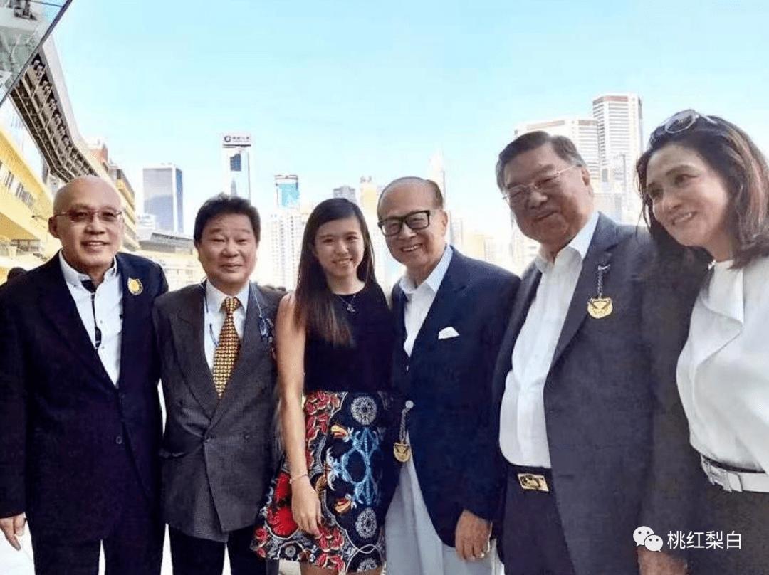24岁就嫁入香港第一豪门,低调的王俪桥是最好命的原配太太?  第21张