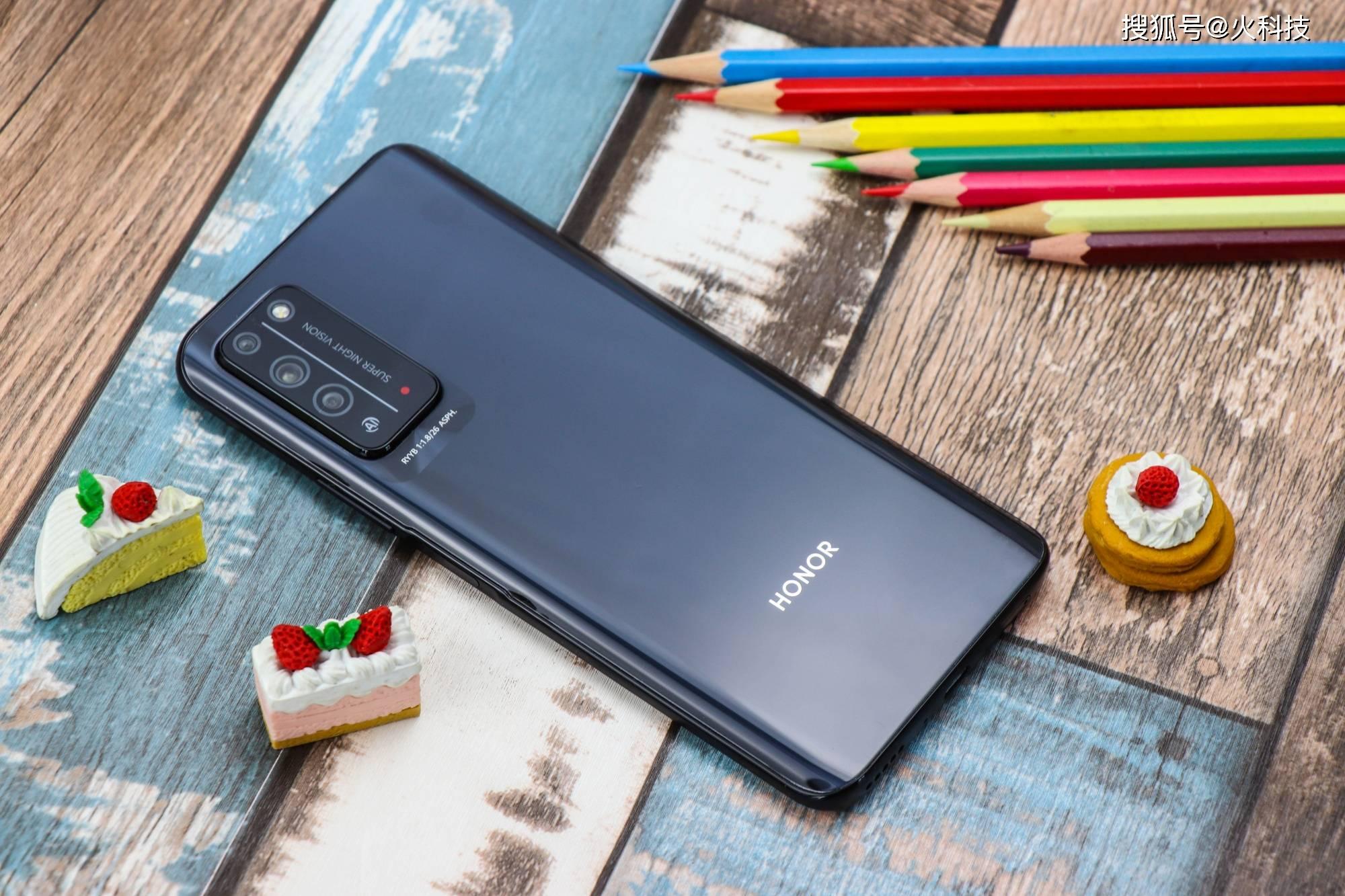 今年过年没什么钱买手机不用担心!4款值得买性价比千元机