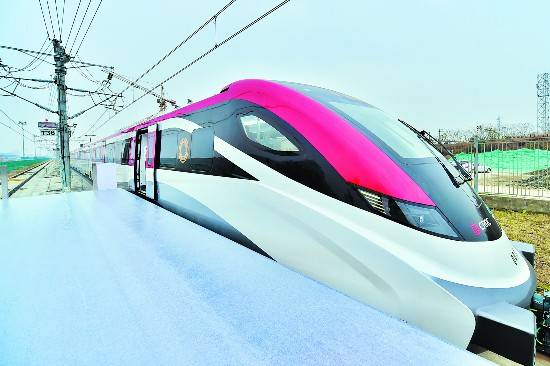 时速160公里 全自动驾驶 全国速度最快市域列车在蓉下线