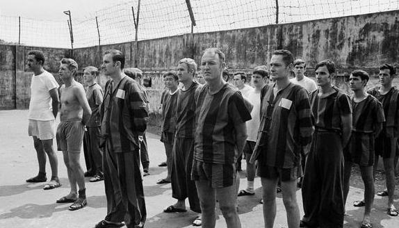 """""""真正的暴行""""——越南战争中,越军是怎样对待美军战俘的?"""