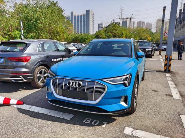 原纯电动SUV之争,特斯拉X型和奥迪e-tron哪个值得买?