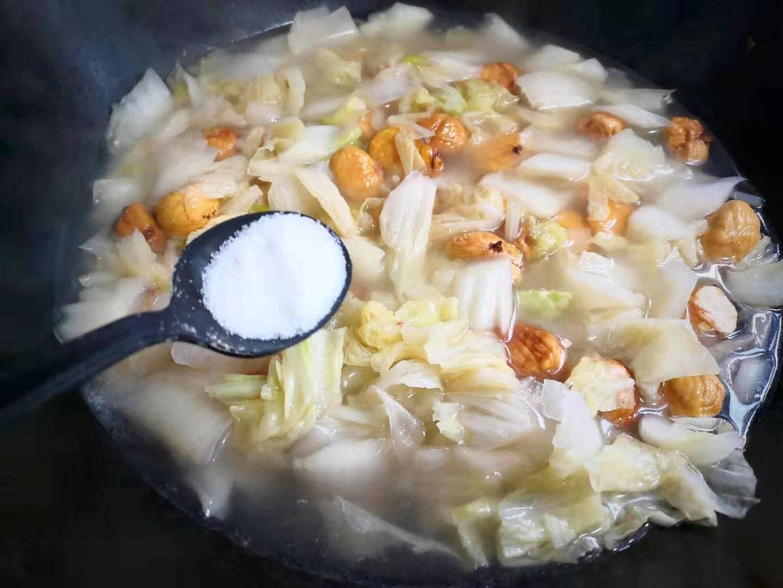 天冷,这菜要多吃,焖一锅实在太鲜了,营养又暖身,好吃实惠简单