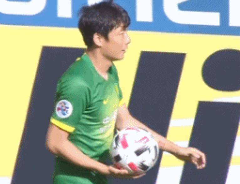 原创             中国第1左后卫:亚足联公布28岁国脚单挑成功次数亚洲第1!