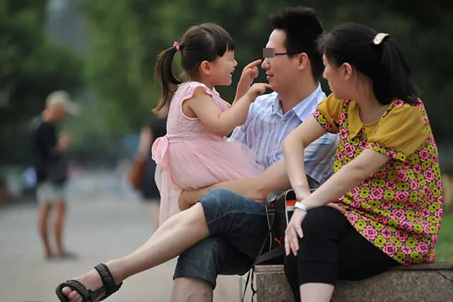 """孩子在这4个方面有所欠缺,家长越""""狠心""""管教,他将来越感激你"""