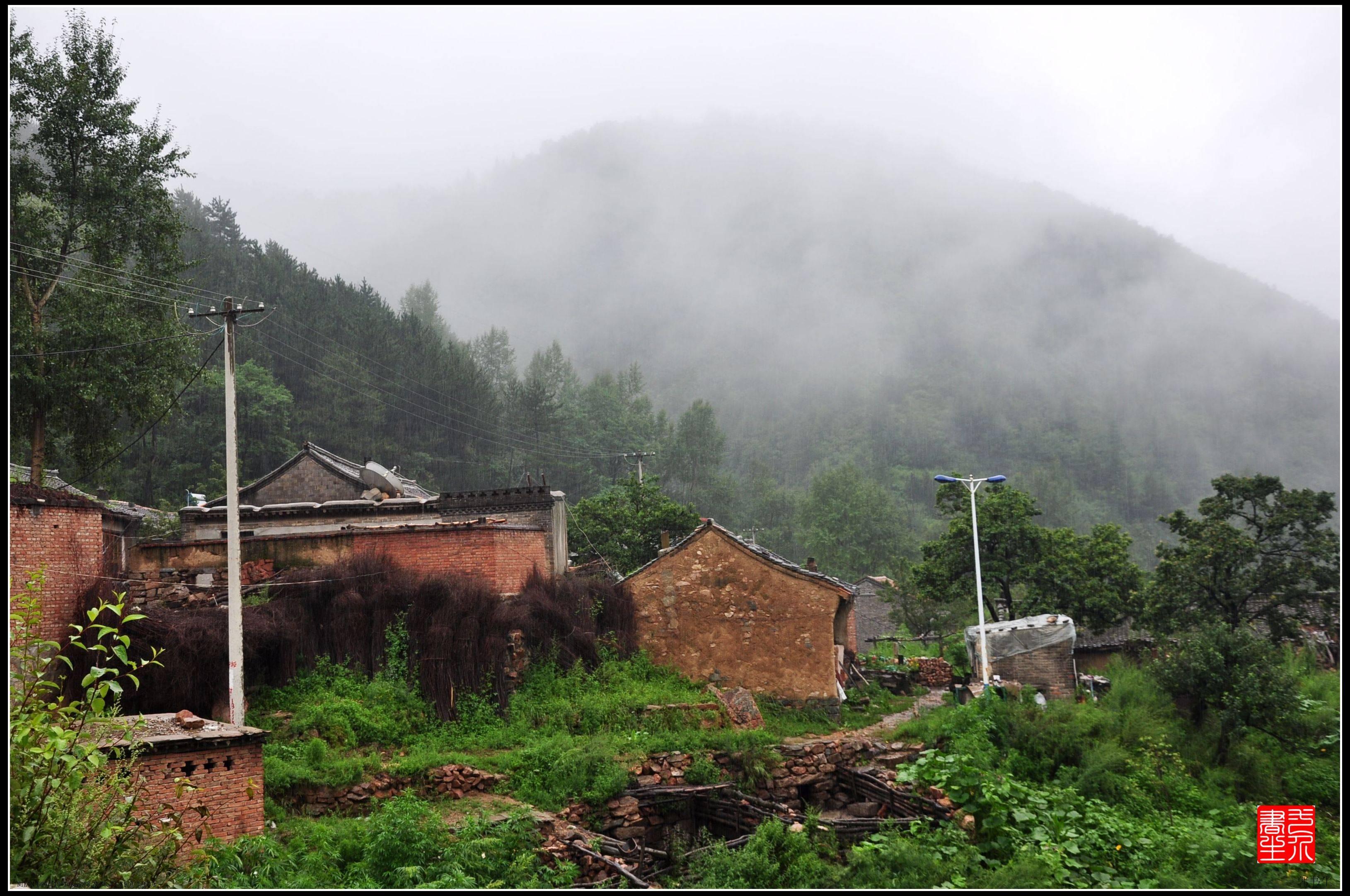 驼梁黄土台,暴雨洗礼中的小山村《百村写真》  第2张