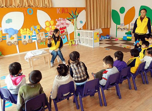 """宝宝在幼儿园拉肚子,老师将""""脏""""内裤扔掉,家长竟要求赔偿千元"""