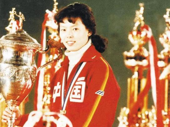 中国体坛里首位女少将!曾独臂战胜日本队,去世后骨灰里发现钢钉
