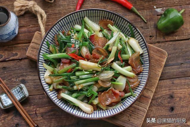 南方人都爱吃这菜,和腊肉最搭配,北方人却问:确定这不是葱吗?
