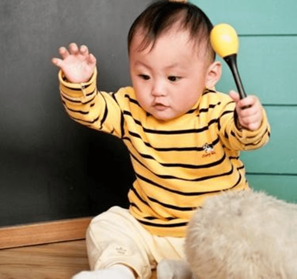 新生儿有3项智力检查,结果能说明孩子智力问题,父母别错过