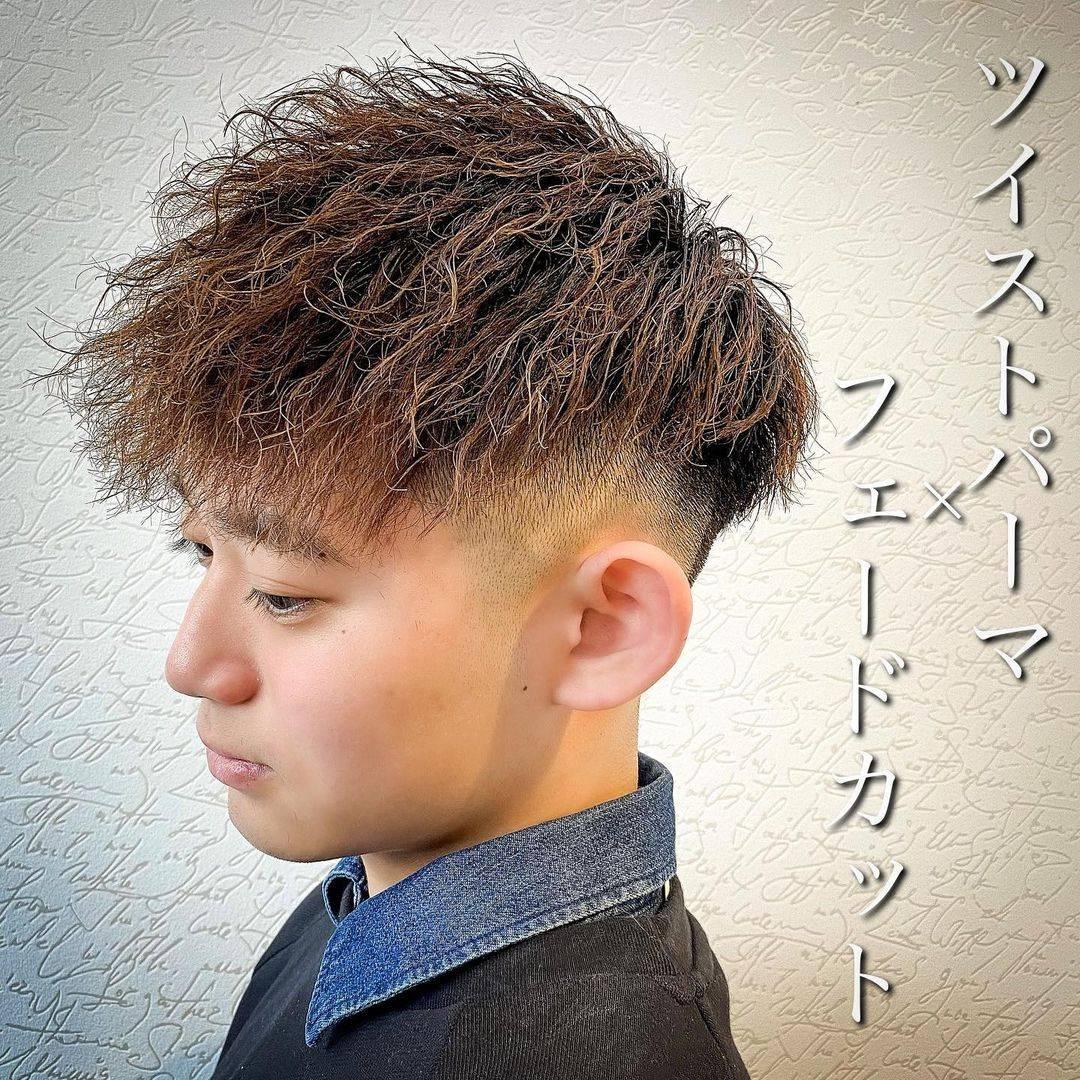 毫无疑问摩根烫是最受年轻男士欢迎的一种发型 .