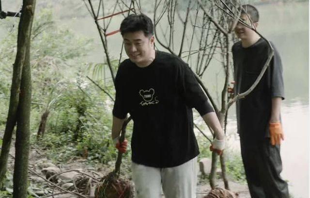 楊紫問黃磊:能否幫忙買李雪琴脫口秀門票,黃磊的回答夠笑三天