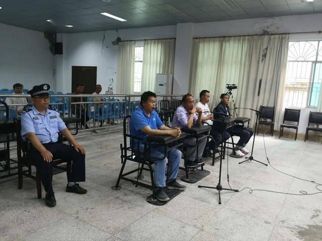 四名男子思南因扰乱学校教学秩序被判刑。