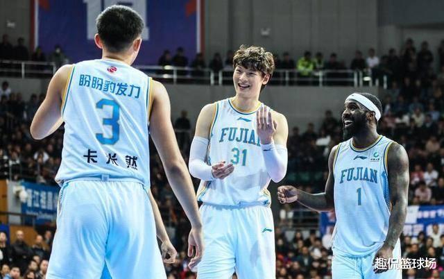 劳森评价队友,确信王哲林有nba实力,前提是练好这项基本功?