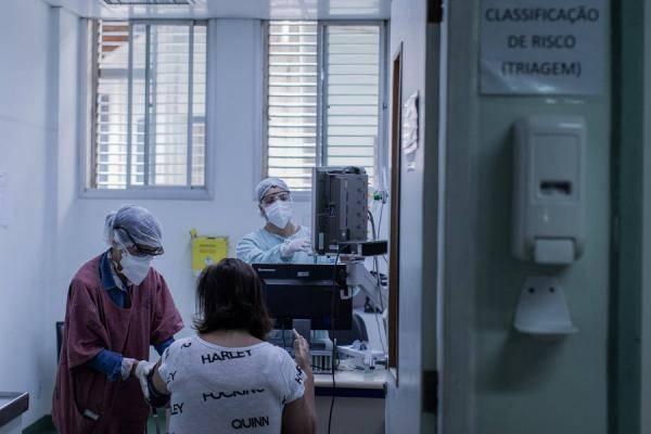 巴西单日新增确诊病例首超2万例 累计确诊数超俄