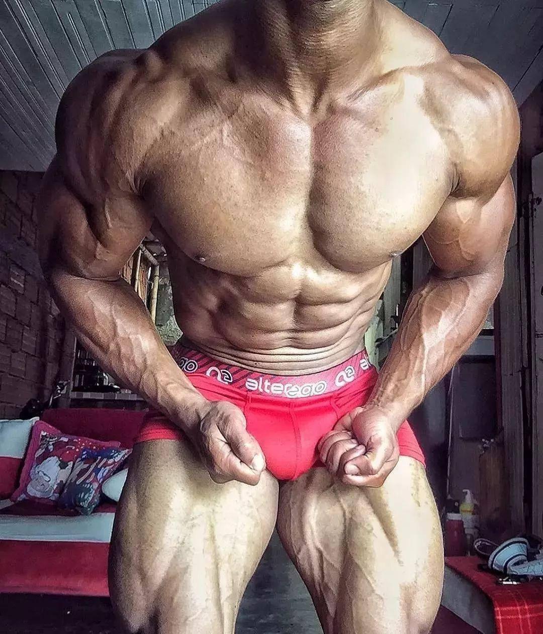 练了这么久腹肌,还不见轮廓,到底为什么?