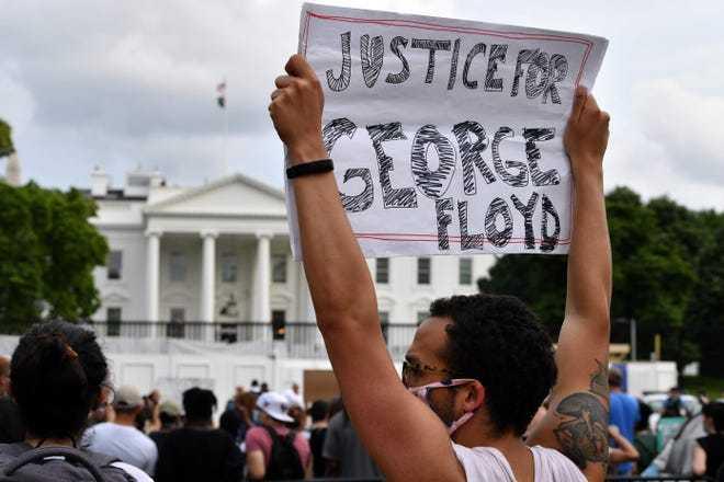 """""""黑人之死""""抗议活动蔓延至华盛顿 白宫紧急封锁"""