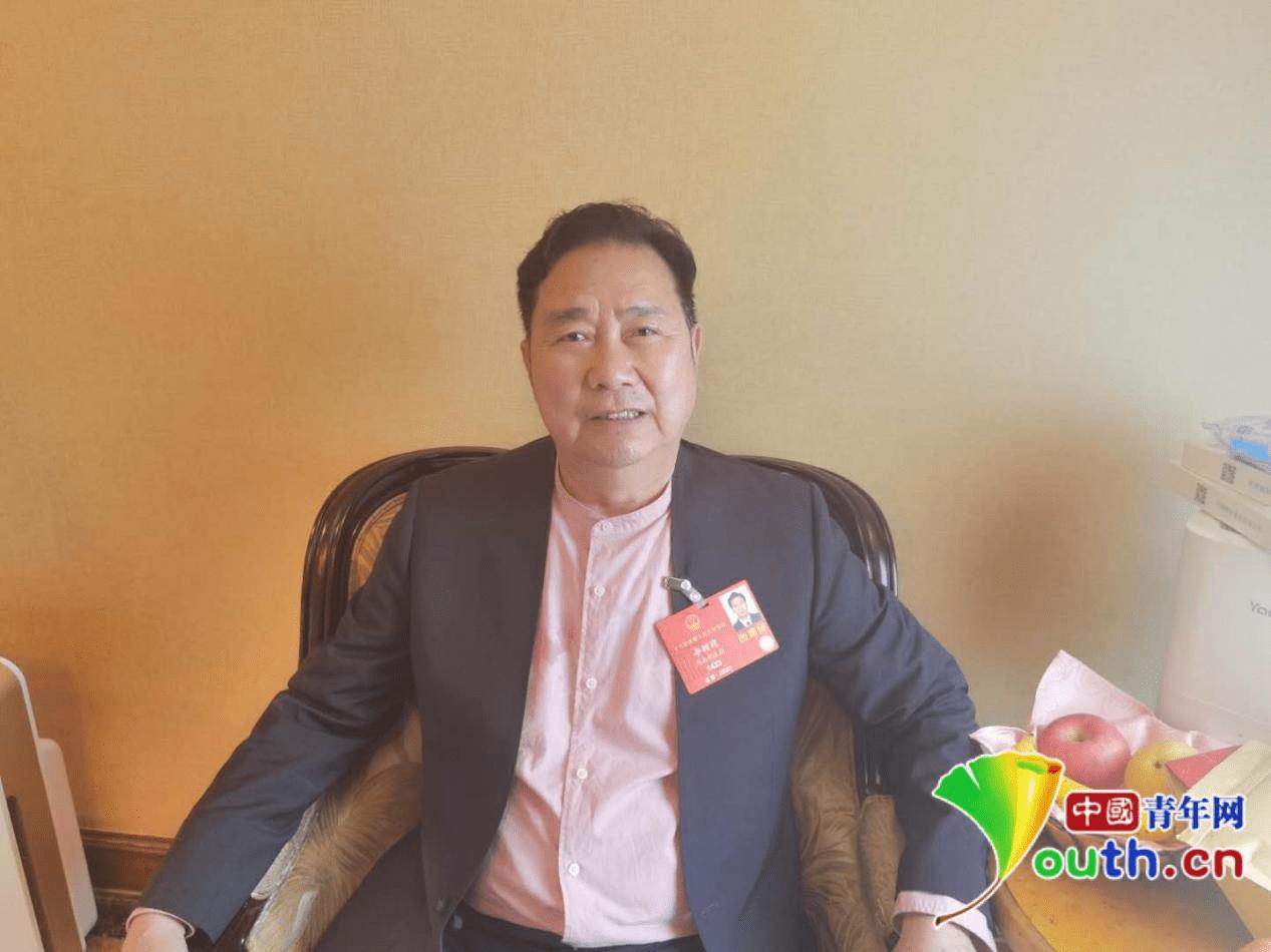 豫剧表演艺术家李树建代表:呼吁全国戏曲人拥抱互联网