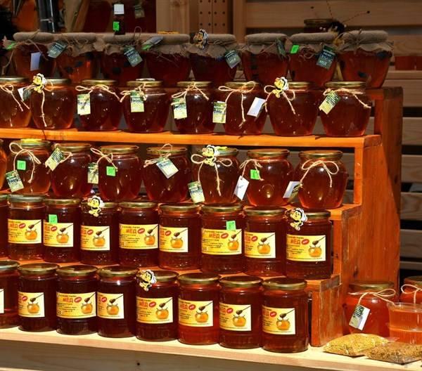 蜂蜜:促进睡眠、润肠通便、美容护肤、是每个家庭的必备神器!