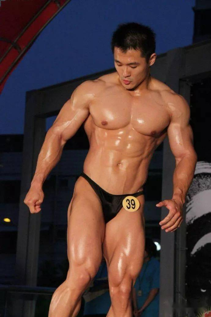台湾最强壮法医,你们感受一下 锻炼方法 第5张