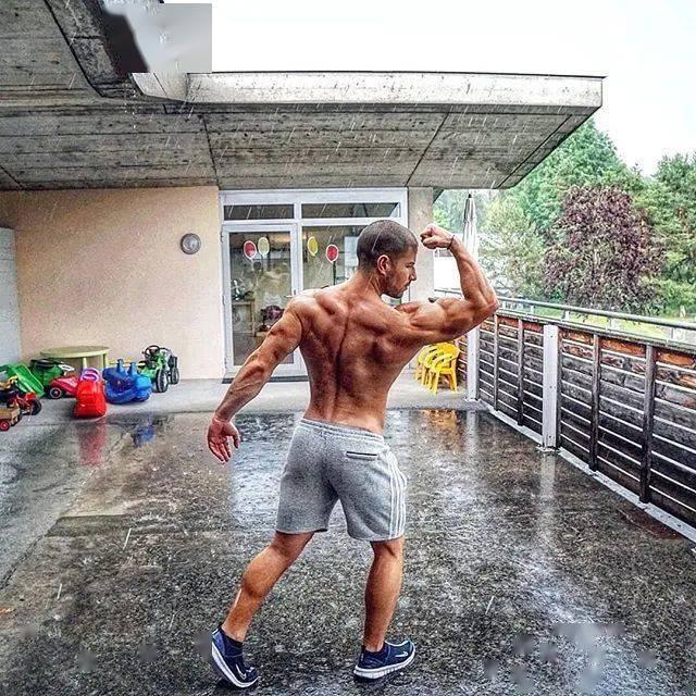 健身12年从未用过任何补剂,一样练出逆天惊人身材! 高级健身 第33张
