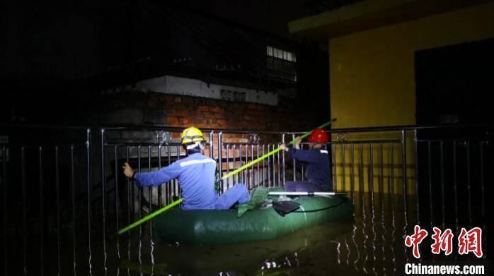 广西29.4万因暴雨受灾用户全部恢复供电