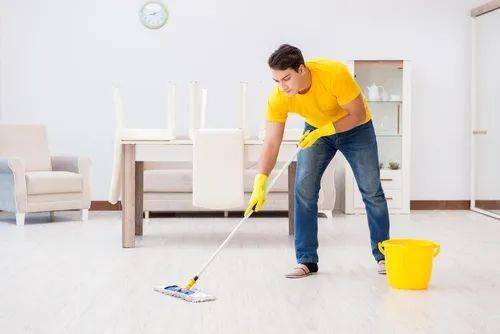 拖地、洗碗加俩小动作,健身家务两不误!