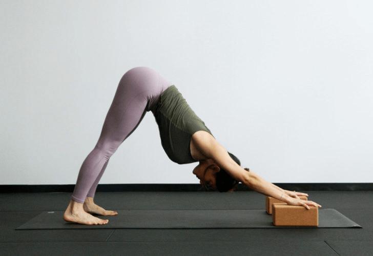 练瑜伽,没感觉?12个常见瑜伽体式,这样练超级有感觉! 减肥窍门 第4张