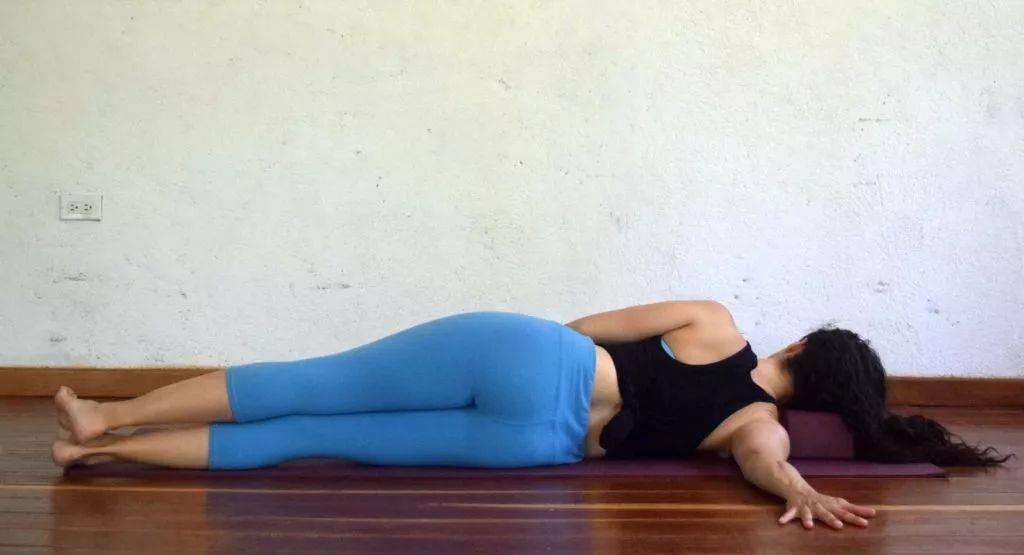 瑜伽开肩&加强肩部力量,2套动作帮你一次搞定!_双手 高级健身 第6张