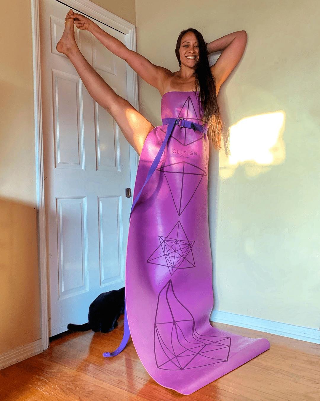 INS上爆火的#瑜伽变装秀#,瑜伽人真是太会玩了!_枕头 高级健身 第10张