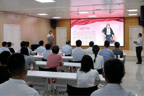 河南郑州慈善向337名生活困难居民及社区工作者发放生活救助金