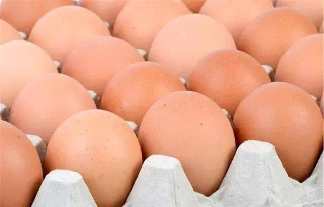 『差别』才发现红皮和白皮鸡蛋的差别,以后再也不瞎买了,吃了30年的鸡