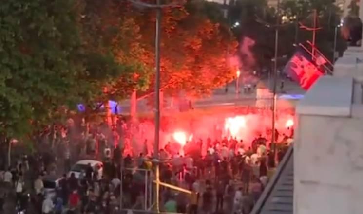 塞尔维亚爆发十年来最大规模抗议 武契奇:有外国势力参与