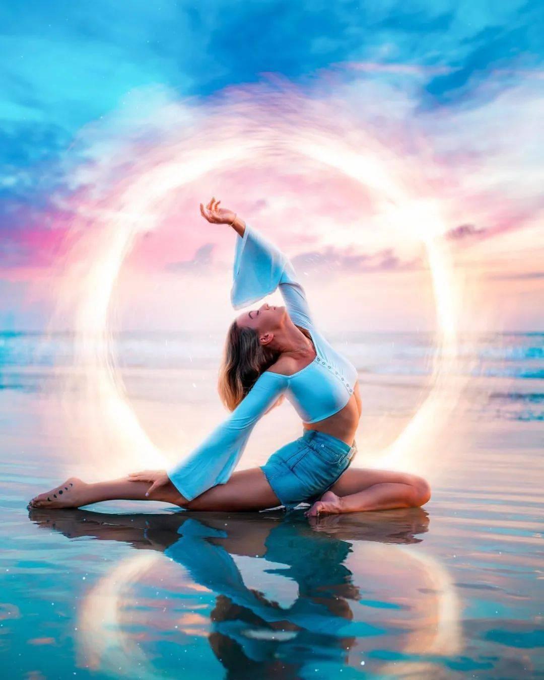 7 个高强度瑜伽小串联在家练,虐腹又翘臀!
