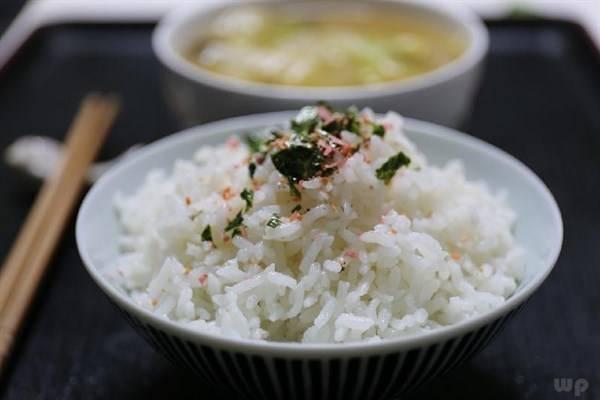 减肥时不吃米饭会有什么后果?
