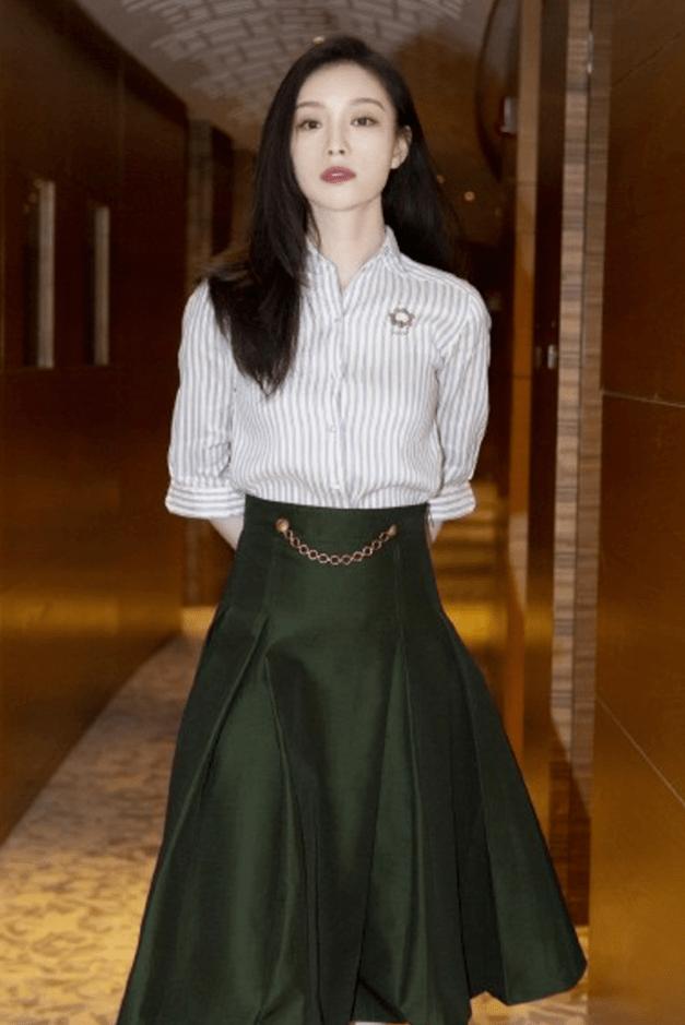 2020年这4件裙子流行_,显瘦又高级_,真的美爆了!