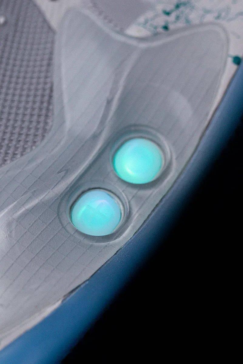 梦寐以求的酷炫功能!Nike 终于把它做出来了!路人全盯着我的鞋!插图(14)