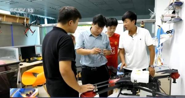 河南信阳:无人机创业让梦想在田野起飞