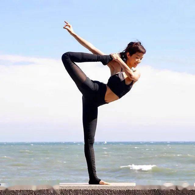 这7个瑜伽动作,能坚持30秒以上的,身材一定不会差!