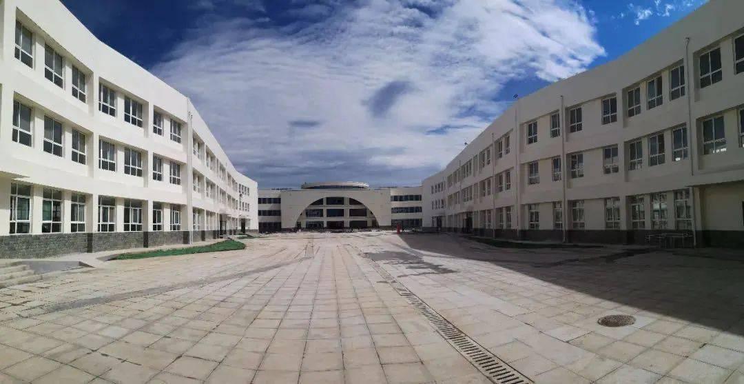 泉源于:蓝田县教育和科学技术局 陕西教育厅厅长 王海波