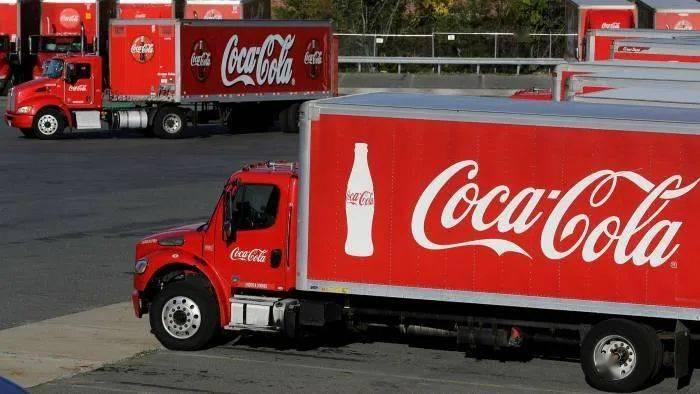 可口可乐也扛不住?全球裁员4000人,遣散费都要38亿