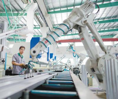 智能机械臂展示了高超的技能 机械智能诊