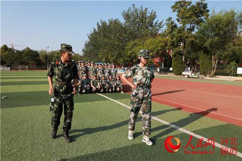 新生军训第一课磨砺意志 高中新生军训心